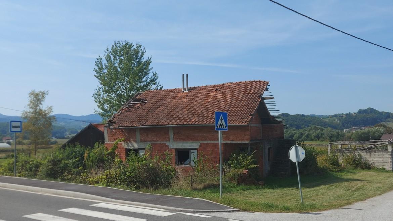 Kuća i oranice Plavić